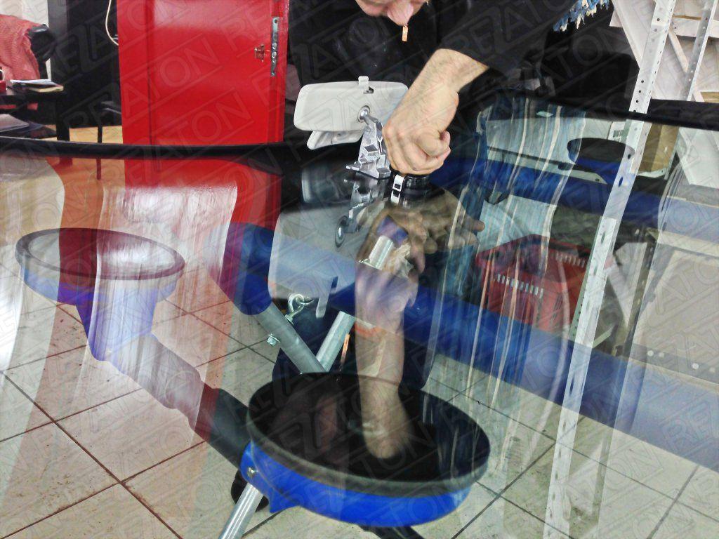 Замена лобовых стекол на варшавке